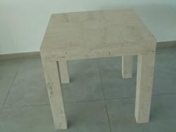 tavolino in travertino romano