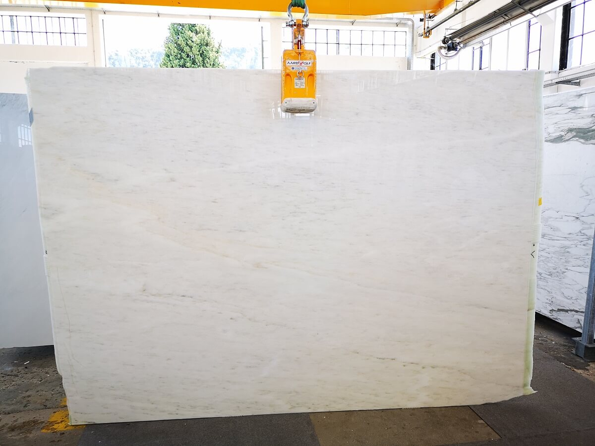 Estremos Blocks and Slabs raw and polished finishing